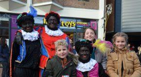 Sinterklaas en zijn Doe-met-de-pieten-mee-feest