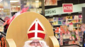 Met Sinterklaas op de foto In de Kanaalpassage